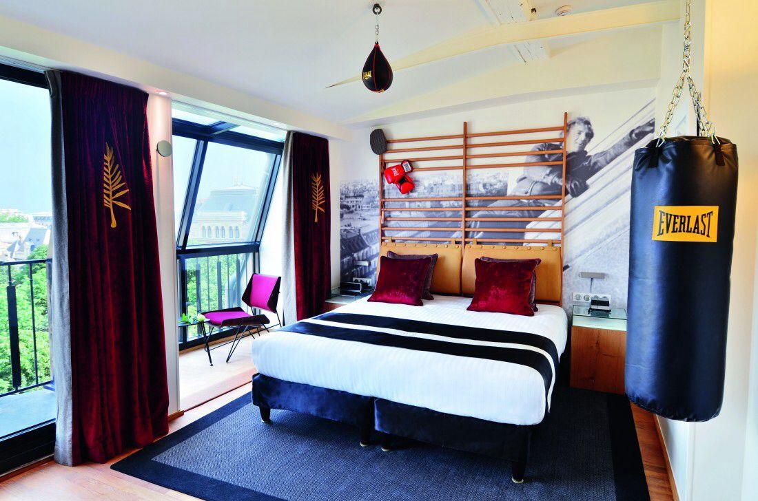 t te de lit espaliers jace room ideas hotel paris. Black Bedroom Furniture Sets. Home Design Ideas