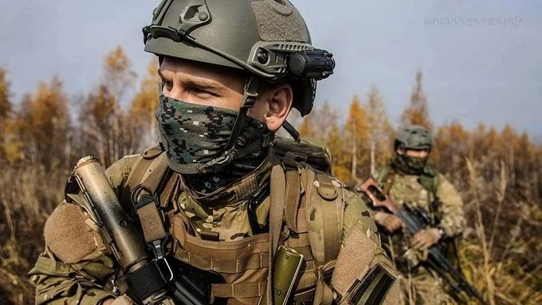 GRAPHIC: Russian special forces troops in Syria - Spetsnaz KSO (video) New video shows Russian special operations troops fighting inside Syria. Special Forces News  http://www.liveworldnews.co/graphic-russian-special-forces-troops-syria-spetsnaz-kso-video #world #news