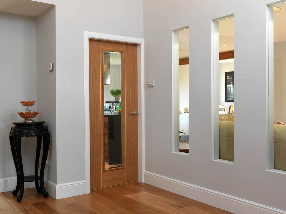 Roma Juno Modern Oak Veneered Internal Door With Clear Glass