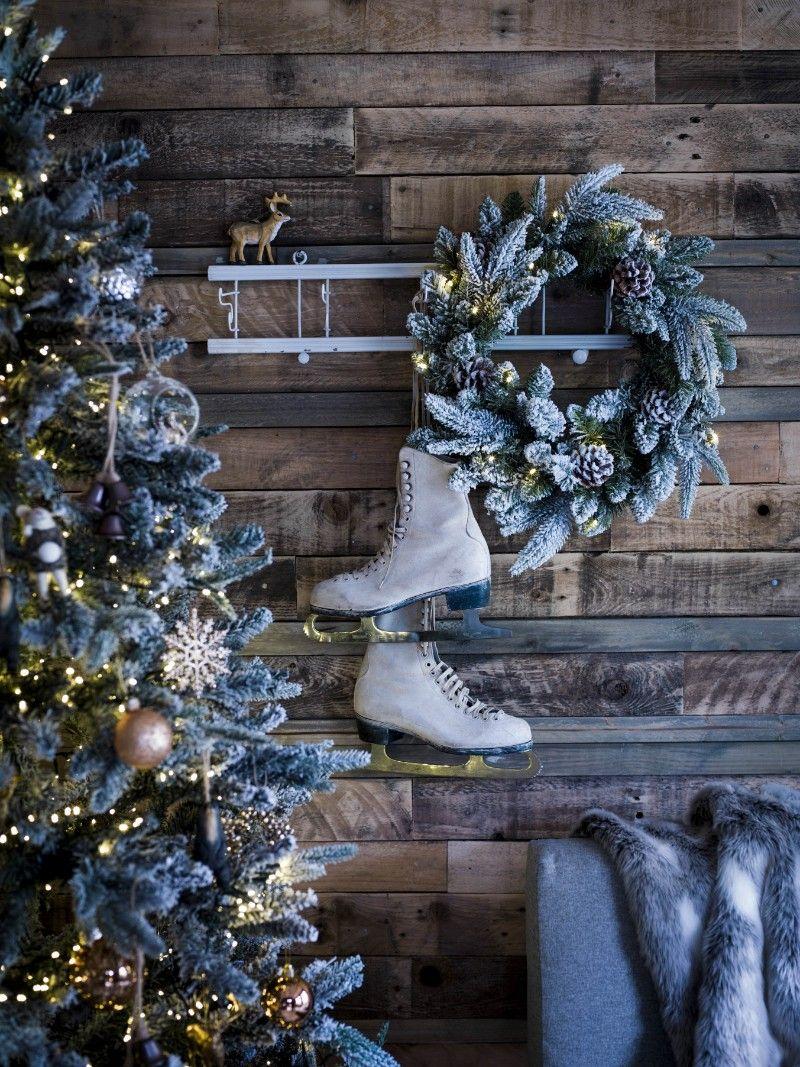 50 Ideeen Voor Kerstsfeer In Iedere Ruimte Van Je Huis Christmaholic Nl Landelijke Kerstversiering Antieke Kerst Kerst