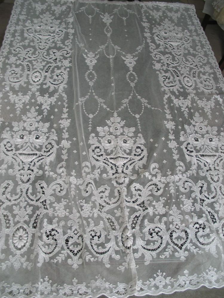 vintage lace curtains and bedding