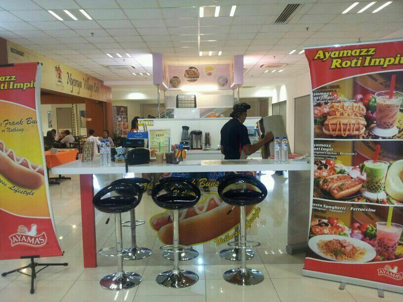 Ayamazz Gm Klang Ayamazz Ayamazzrotiimpit Rotiimpit Frankbuns Gmklang Selangor Klang Malaysia Pearldrink Sausage Kiosk Roti Drinks Tasting