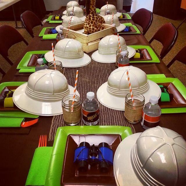 Table at a Jungle Safari Party #jungle #safariparty