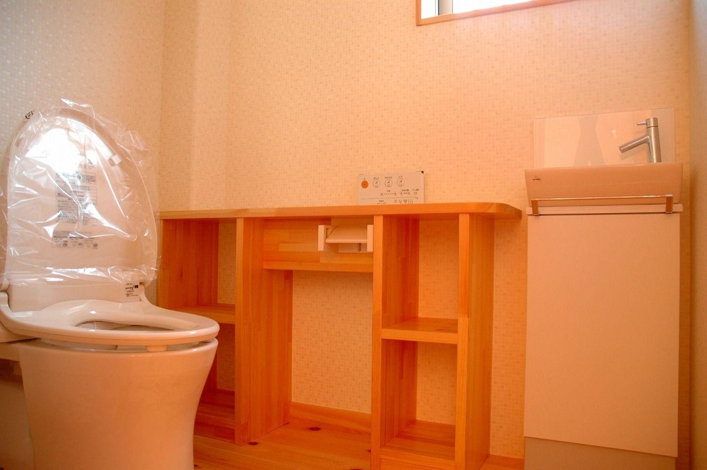 トイレの造作カウンター トイレ施工事例 新城市 鈴木工務店 2020