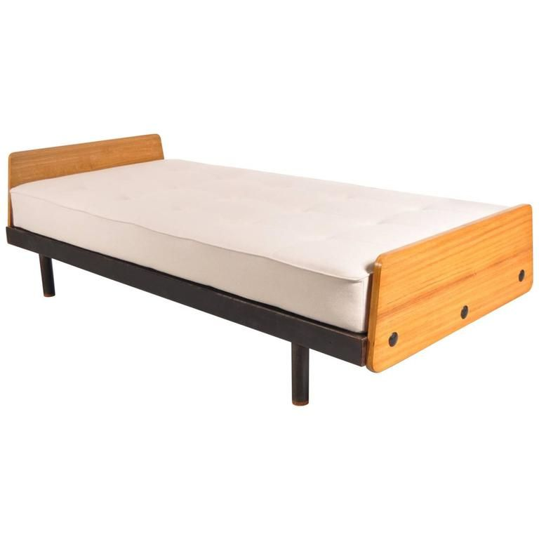 SCAL Daybed by Jean Prouvé for Ateliers Prouvé, France, circa 1950 1