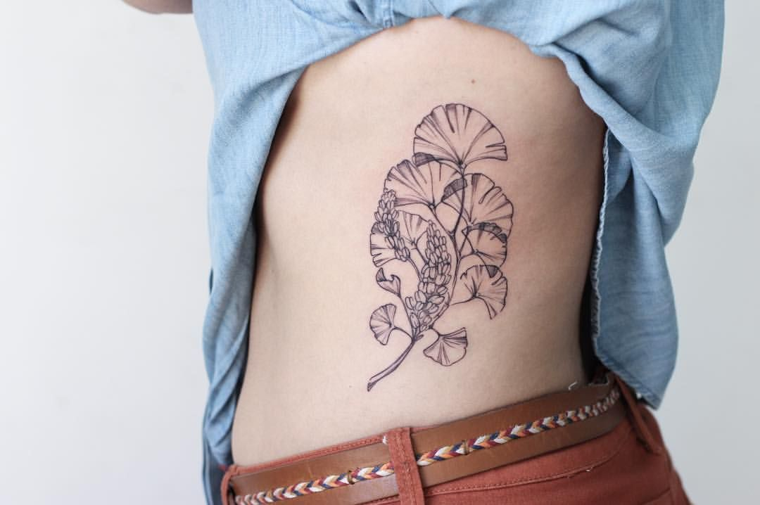 """359 Likes, 6 Comments - María León (@marialeontattoo) on Instagram: """"Ginkgo leaves and Branco in light detail for Daniela ✨ #marialeontattoo #inked #blackworkers…"""""""