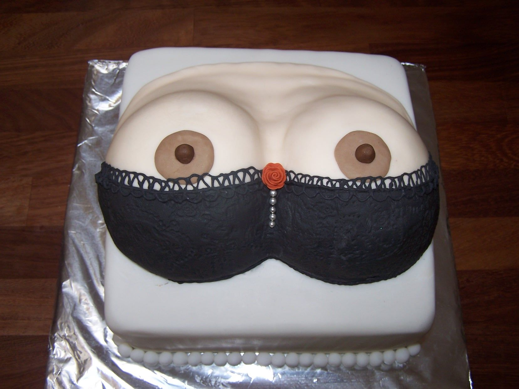 Peek A Boo Naughty Birthday Cake Birthday 30th Pinterest Cake