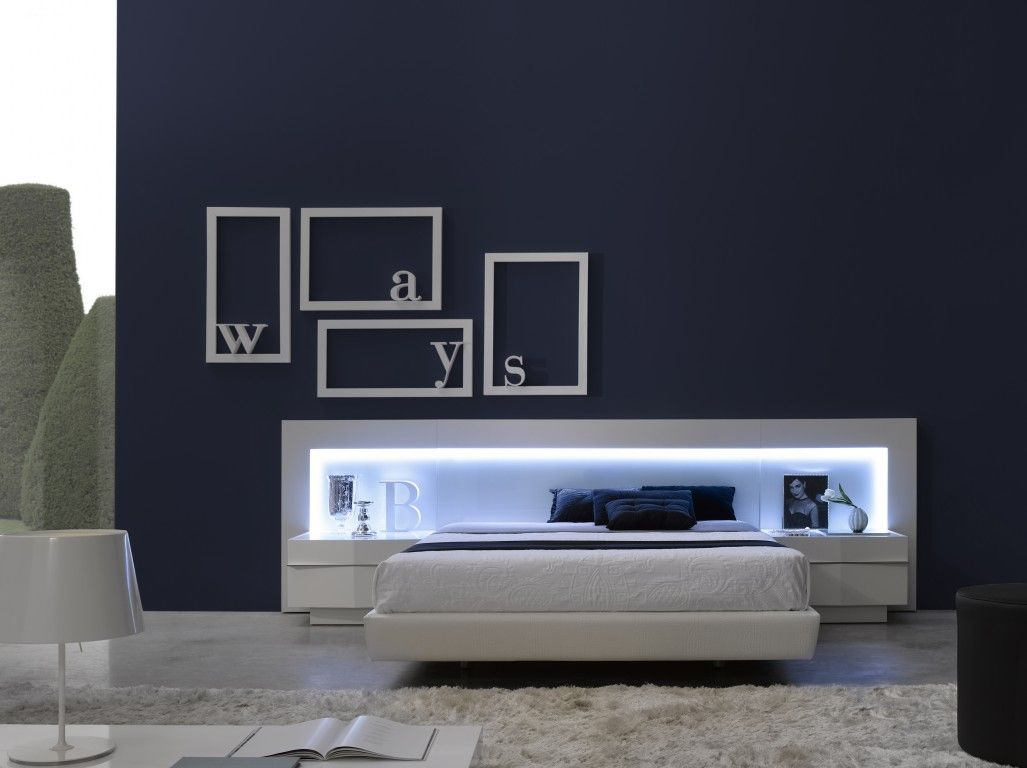 Barcelos contemporary queen size bed in white beds - Muebles casal valencia ...