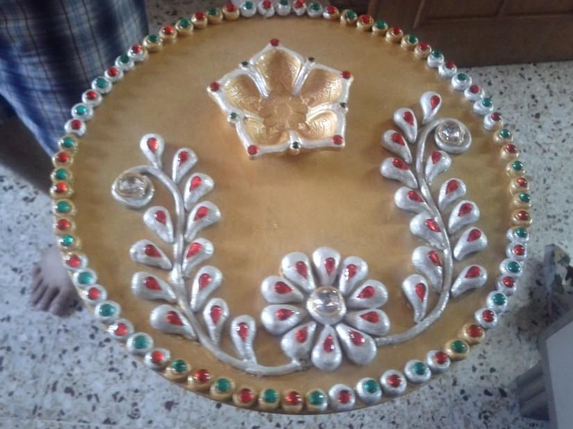 Pooja thali 2 crafts by priyanka jain in chah creation for Aarti thali decoration with clay