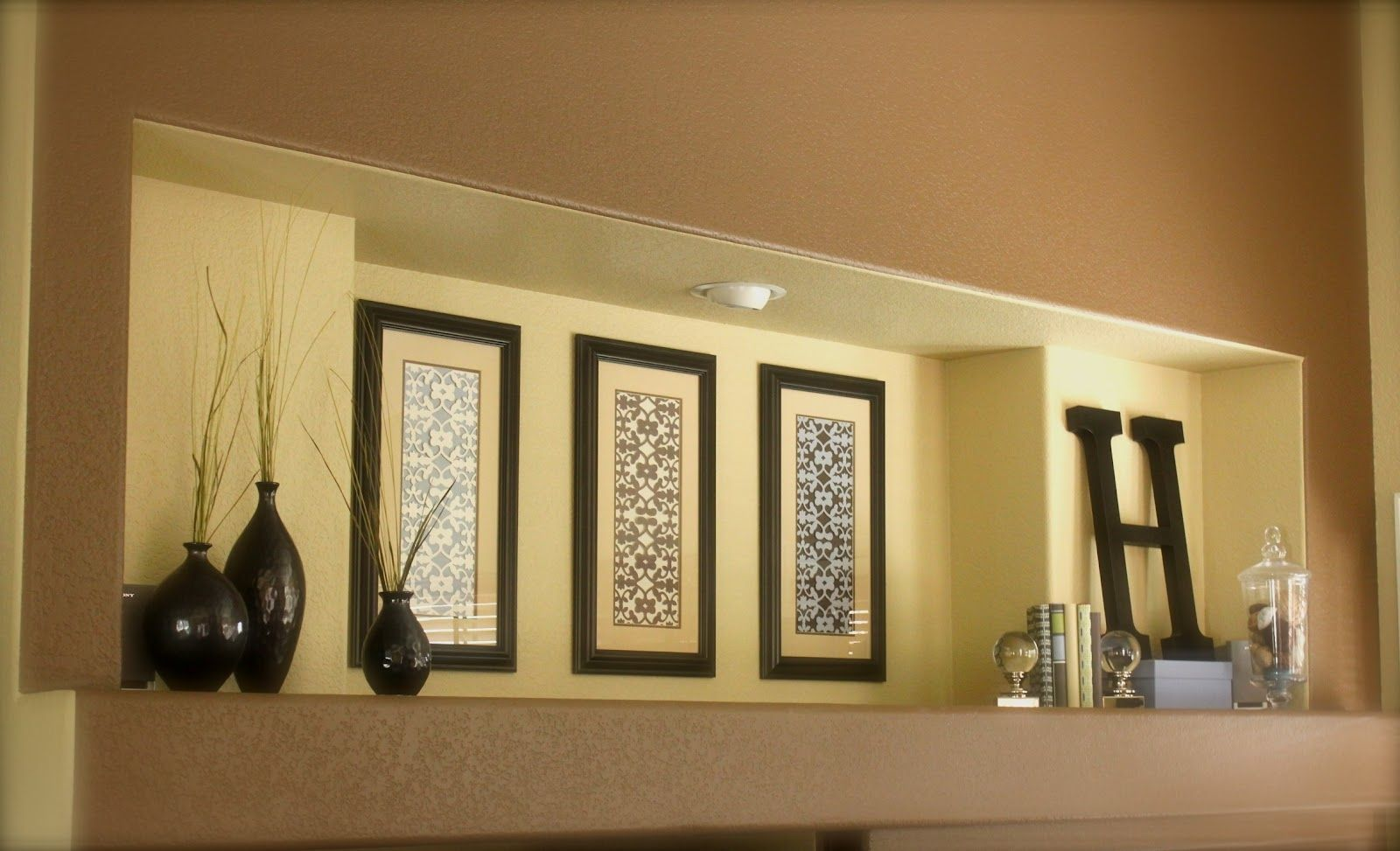 Decorating Ideas For Wall Cutouts from i.pinimg.com
