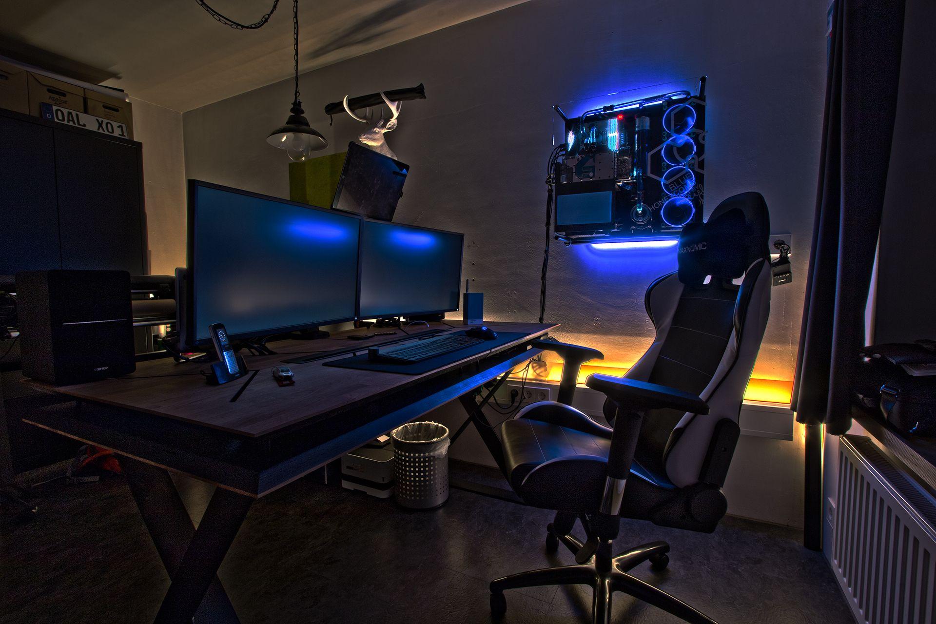 Desk By Weigl Design Germany Workstation Battlestation Desk Gaming Watercooling Gaming Tisch Gaming Schreibtisch Zocker Zimmer