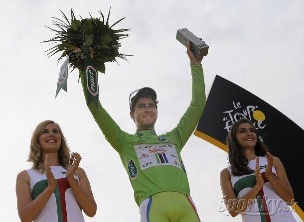 b28a438023701 Peter Sagan po tretíkrát za sebou vybojoval na Tour zelené tričko pre  víťaza bodovacej súťaže