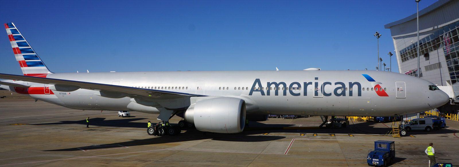 Resultado de imagen para American Airlines Boeing 777-300