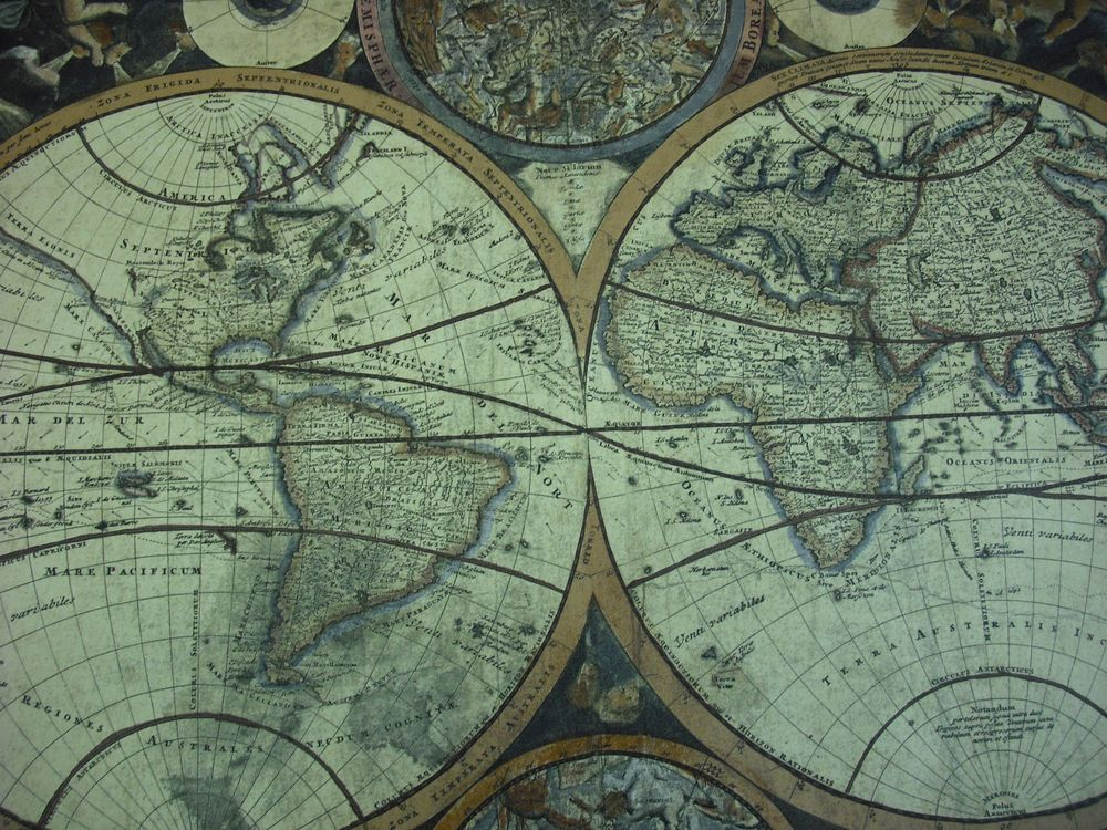 """20"""" WIDE VINTAGE GLOBE CELESTIAL MAPS PLANIGLOBII"""