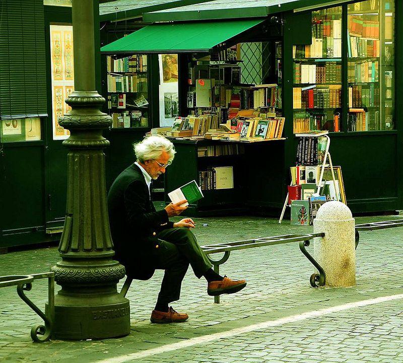 Il vecchio che leggeva romanzi d'amore | da AlessandroDM - Rome Piazza Borghese