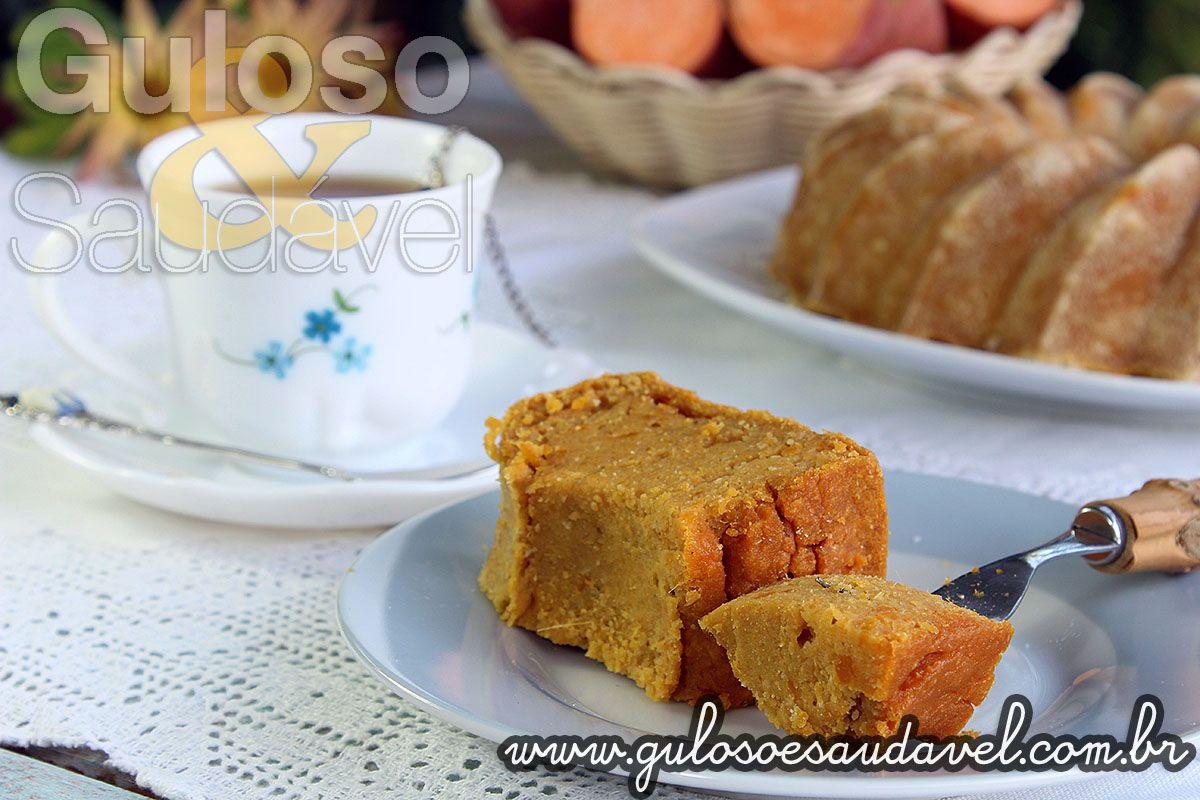 #BomDia! Quer deixar seu café da manhã ainda mais gostoso? Que tal preparar esse delicioso Bolo de Batata Doce? Bom domingo para todos!  #Receita aqui => http://www.gulosoesaudavel.com.br/2014/07/18/bolo-batata-doce/