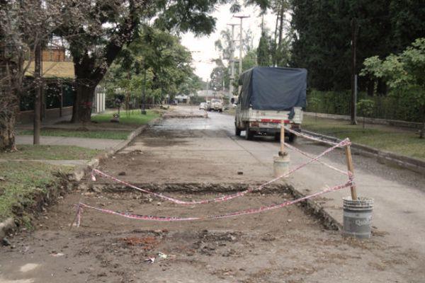 Continúa la reparación de la calle Juan B. Terán