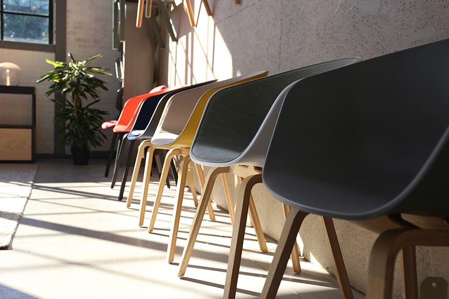 De stoelen van #hay in de winkel van #flinders