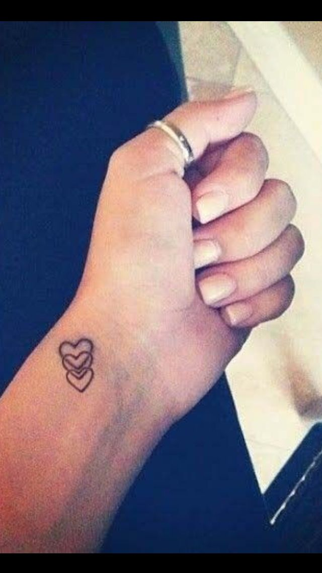 3 Sisters 3 Hearts Love This One Wrist Tattoos Girls Simple