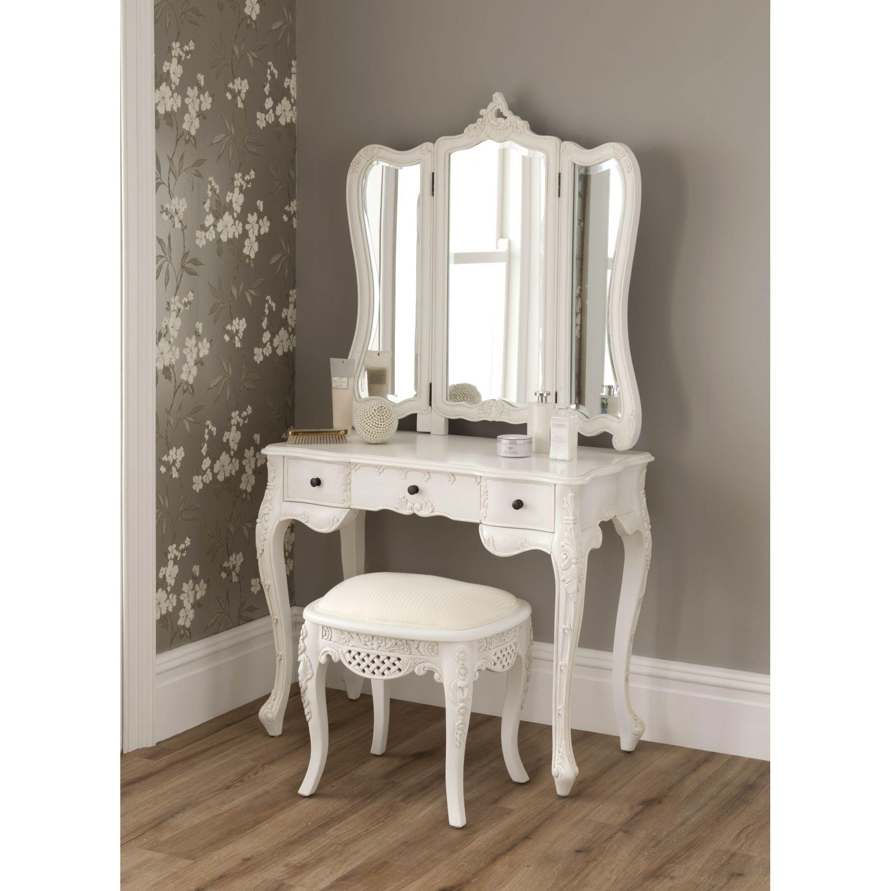 Rustic White Wooden Makeup Vanity Bedroom Enchanting Design Ideas Furniture Pinterest Dressing Tables