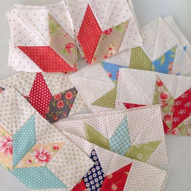 The makings of a star! #showmethemoda #star #idea #aurifil #plan #fun #sewmystash2015 #figtreeandco #figtreefabric #figtreequilts #quilt #quilts #quilting #patchwork