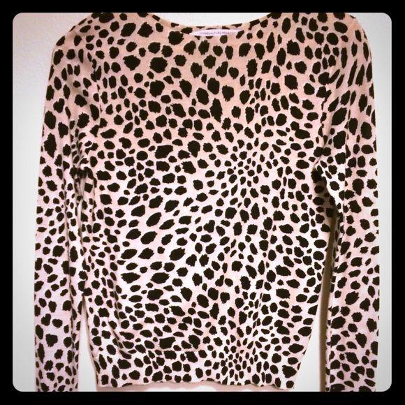 DVF leopards print sweater DVF leopard print, black and cream sweater. Size P (XS). 80% cotton 20% silk. Diane von Furstenberg Sweaters Cardigans