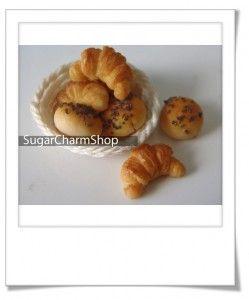 Croissants en pâte polymère