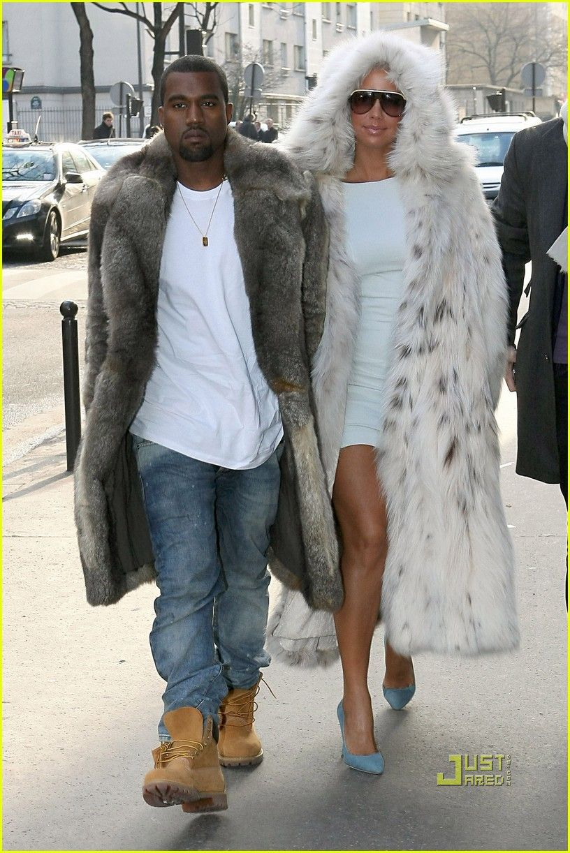 Amber Rose And Kanye West Attend The Yves Saint Laurent Readytowear A W 2009 Fashion Show During Paris Fashion Amber Rose Amber Rose Pictures Amber Rose Model
