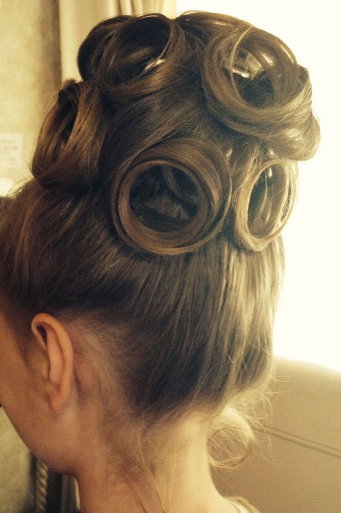 large meches superposee en chignon | hair | Pinterest | Apostolic ...