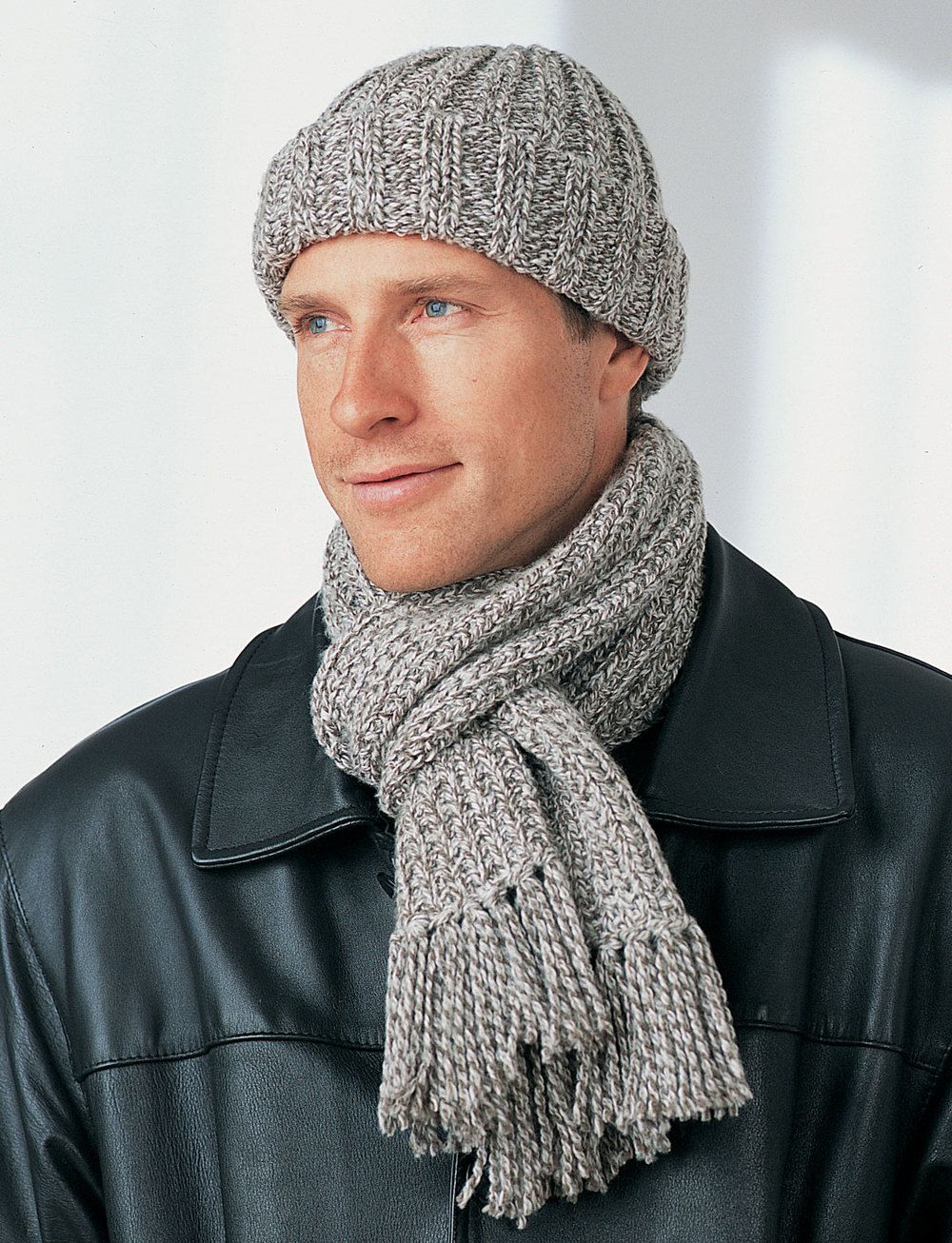 Men\'s Winter Hat and Scarf | Winter months, Knitting patterns and ...
