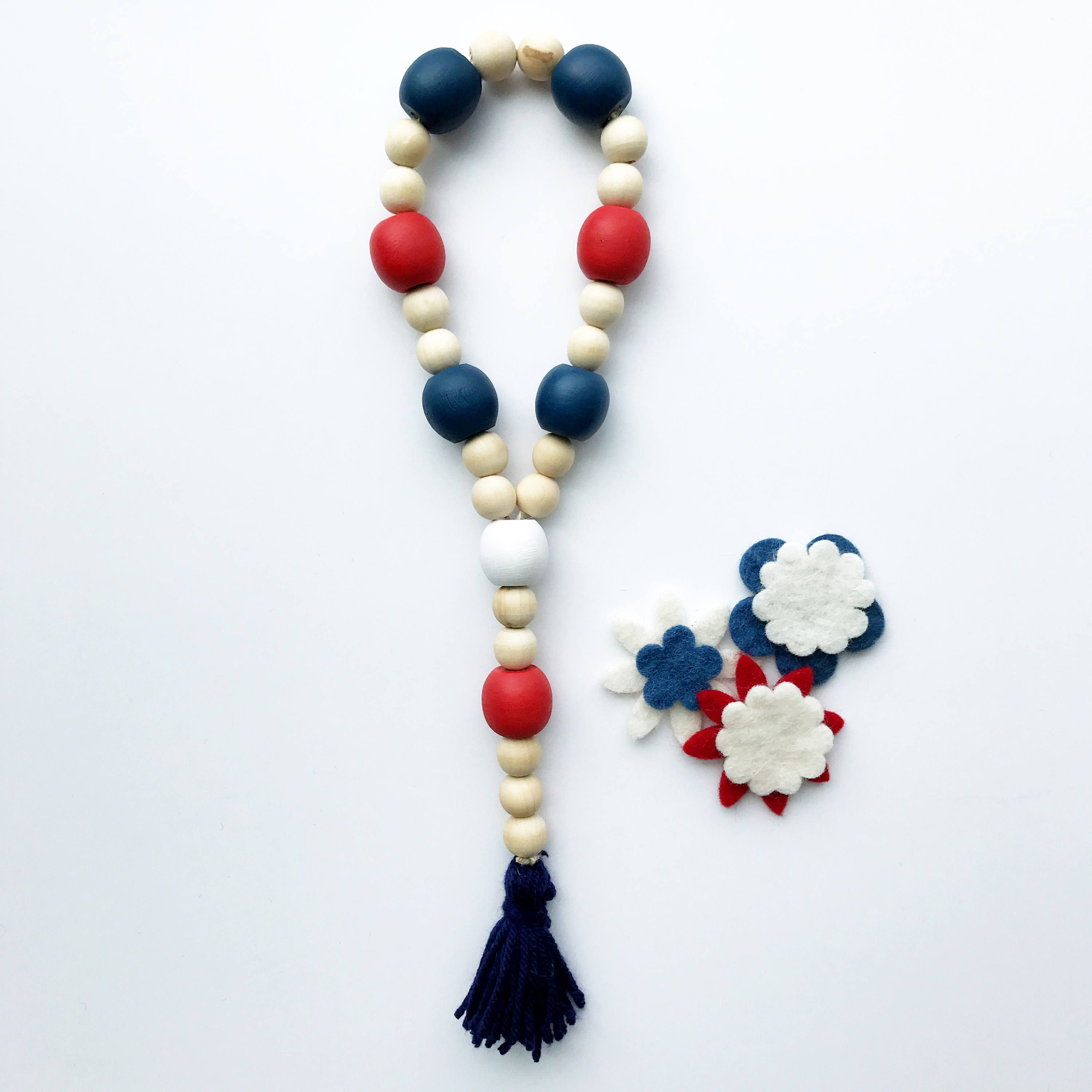 This patriotic wood garland is the perfect home accent to dress up ...