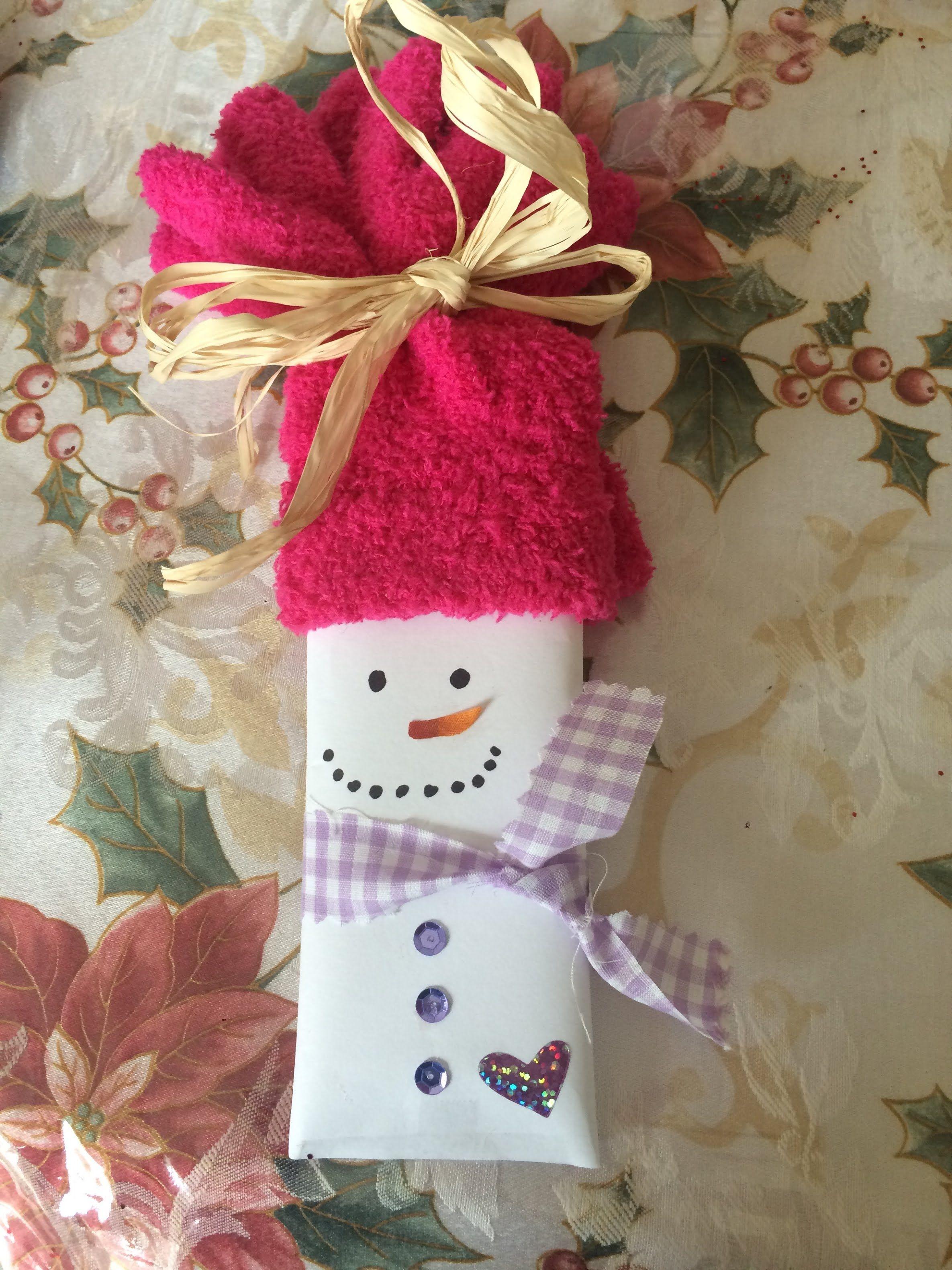 25 Days of Christmas Crafts Day 8 Dollar Tree snowmen