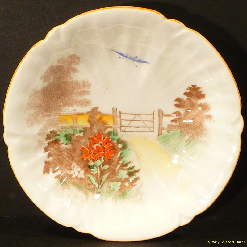 SHELLEY 'GATE & PATH SCENE' ROUND PIN Or BUTTER/JAM DISH