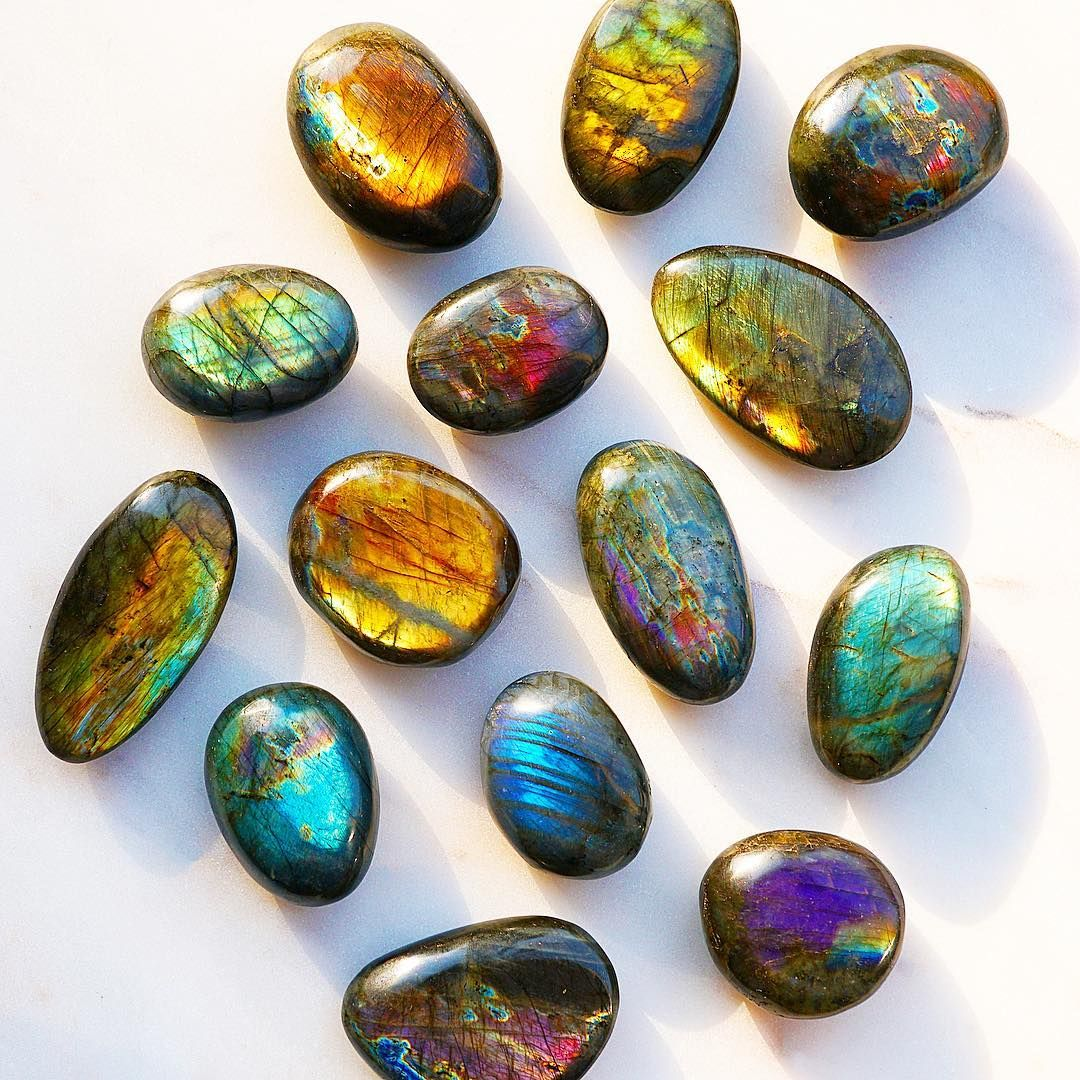 Every Time You See The Rainbow Flash Of Labradorite Let It Remind You Of The Magic That Surrounds You Each And Eve Crystal Aesthetic Stone Stones And Crystals