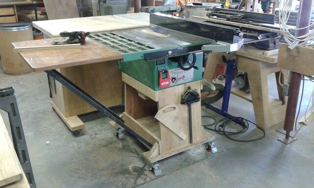 Had To Update My Grizzly Tablesaw Made A New Mobile Base Added A New Shopfox Rip Fence And New Safety Swit