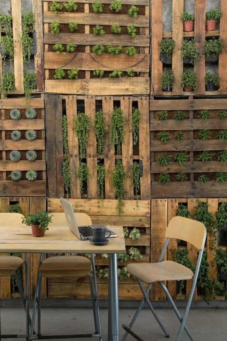 Vertikaler Garten Für Blumen Und Pflanzen | Garten | Pinterest ... Vertikale Bepflanzung Ideen Tipps Garten