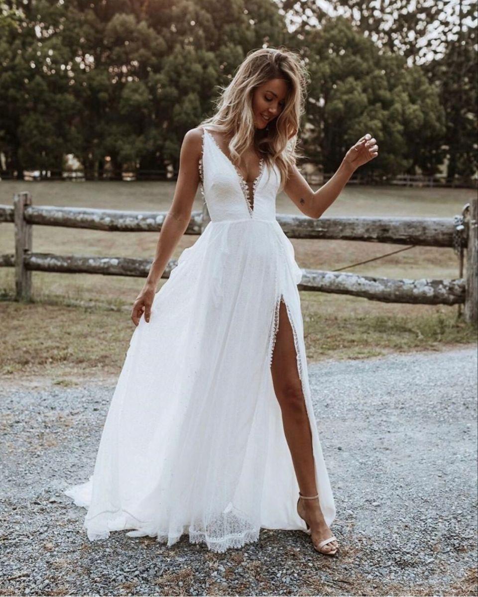 Boho Bride Dress Bohemian Bohobride Bohodress Bohobridedress Bohobridedressbohemian In 2020 Wedding Dresses Unique Ball Gown Wedding Dress Wedding Dresses Lace