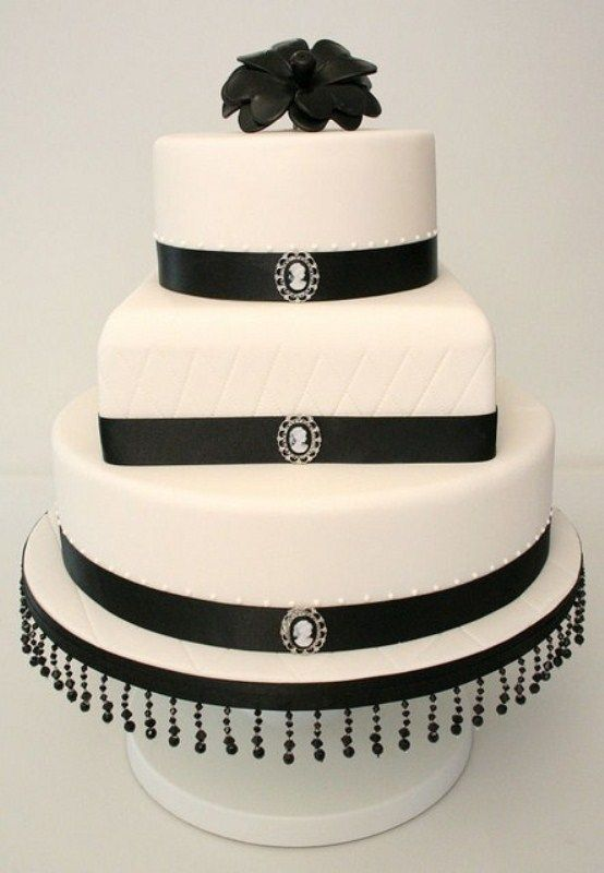 Gorgeous Black And White Wedding Cakes | Black and White Theme ...
