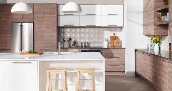 cuisine immense cuisine portes et fa ades de tiroir effet noyer gris clair et lot de cuisine. Black Bedroom Furniture Sets. Home Design Ideas