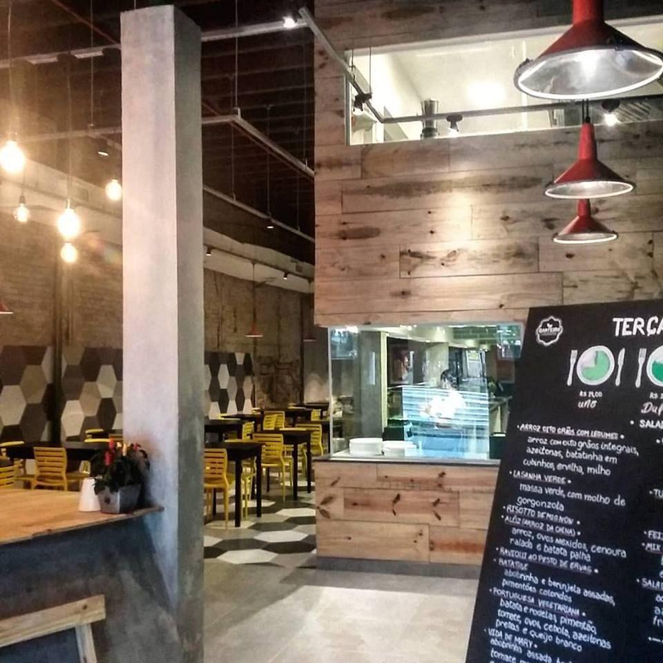 projeto do escritorio Felipe Torelli Arquitetura e design - restaurante canteiro - santos - brasil #restaurant #decor #industrial