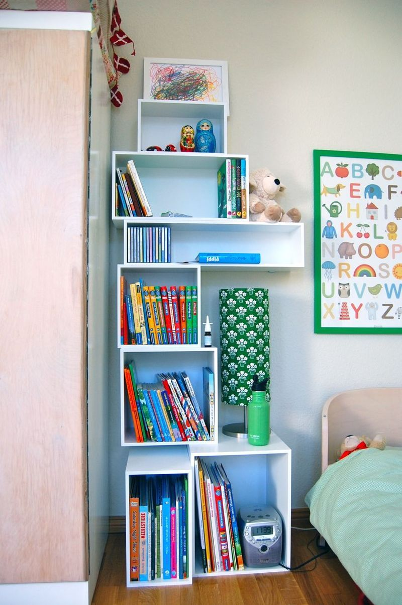 storage idea. this would be cute in Zoe's room