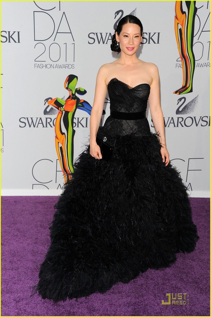 Lucy Liu In Monique Lhuillier At The 2011 Cfda Fashion Awards Parade Dress Fashion Nice Dresses