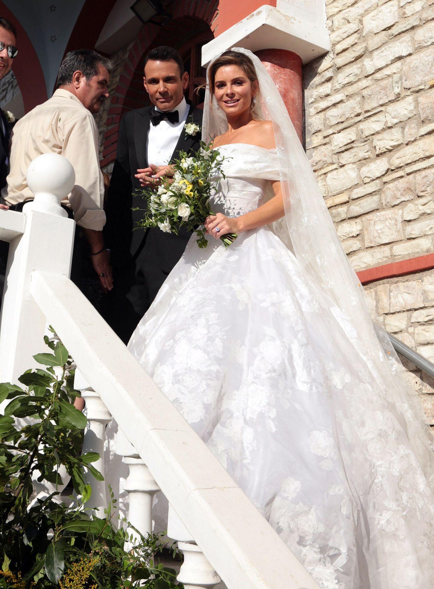 Maria menounos shares breathtaking photos of her big greek wedding