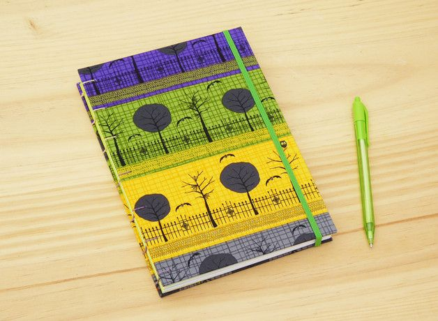 Handmade A5 notebook. Halloween pattern fabric  /  Cuaderno artesanal. Patrón con motivos de Halloween