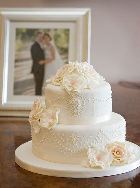 two tier round simple wedding cakes louise cakes two tier wedding cake with 21346