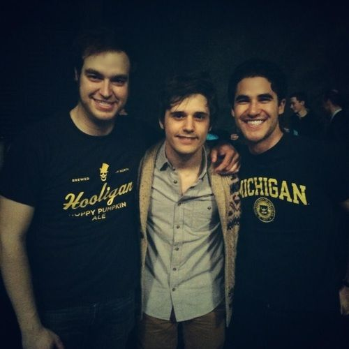DarrenCriss: A VICTORious night for @ umich , on the bball court & the bway stage. Bravo to my classmates @ andymientus @ jrrapson!