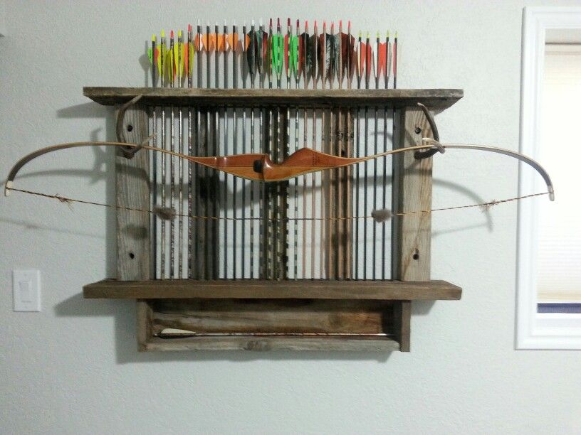 Man Cave Archery : Bow and arrow rack with reclaimed wood for the man cave