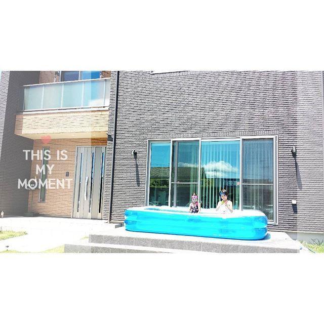 相変わらず暑いー タイルデッキにプールは大活躍 プールの水の