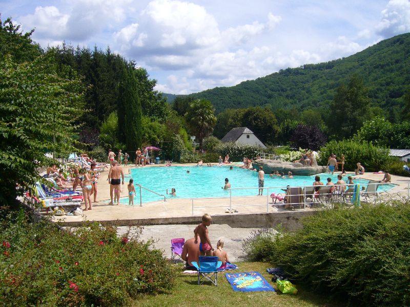 Camping vallée de la Dordogne - Camping Corrèze - CAMPING LE - camping dordogne etoiles avec piscine