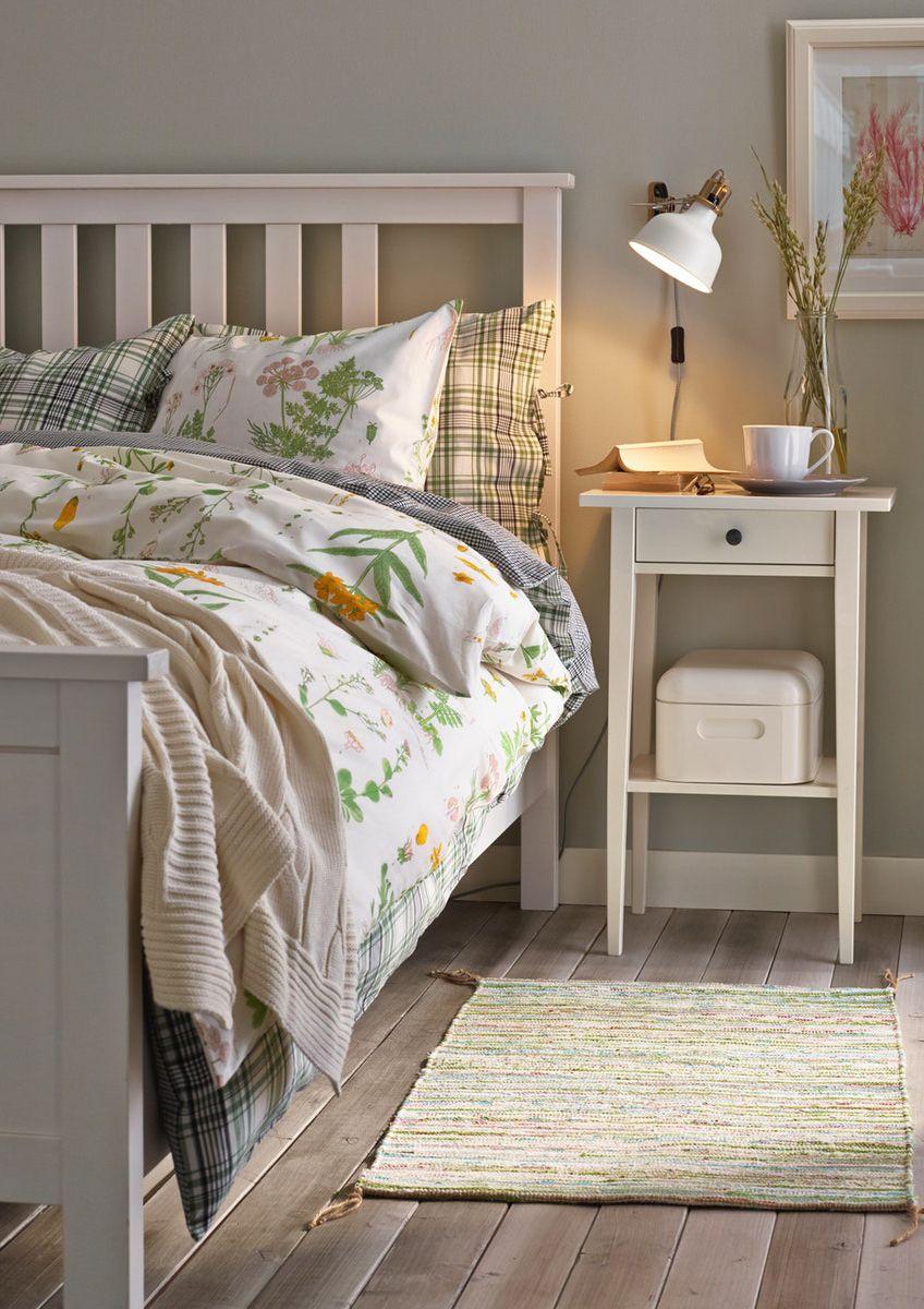 Hemnes Ablagetisch Weiss Gebeizt Ikea Deutschland Schlafzimmer Einrichten Zimmer Wohnzimmer Streichen Ideen